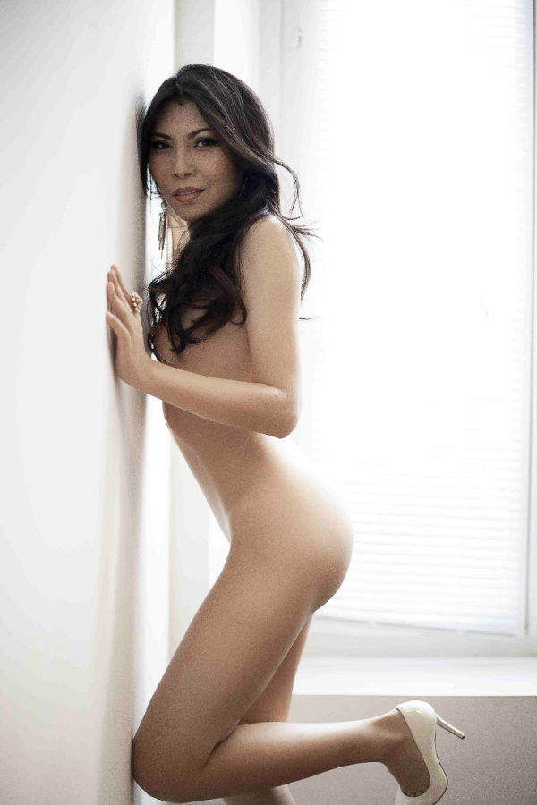 forum escort girl paris asian woman